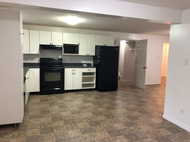 Spacious and Bright 2 bedroom basement suite