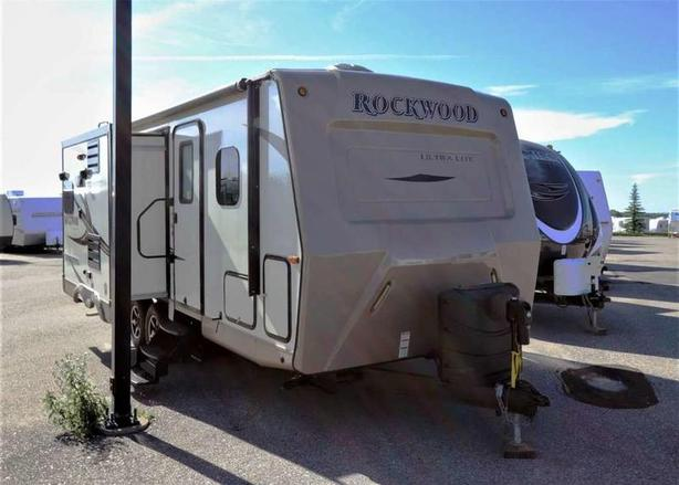 2016 Forest River ROCKWOOD 2304DS