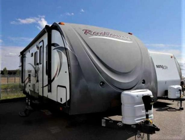 2015 Cruiser RV RADIANCE 31DSBH