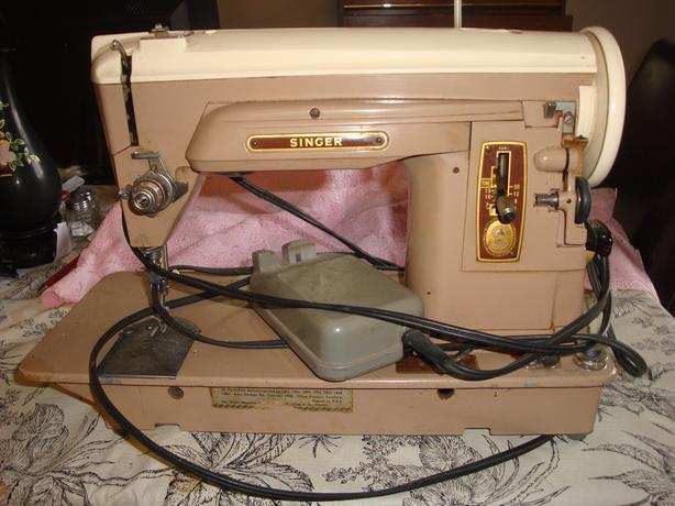 Portable Singer Sewing Machine