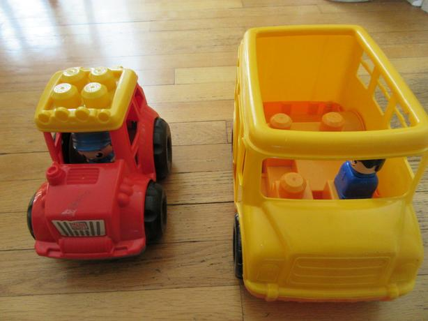 Megbloks bus and car