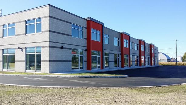 St-Jean-sur-Richelieu - Locaux industriels neufs 2,000-16,000 pi2 à louer