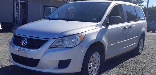 2010 VW Routan Black Creek Motors
