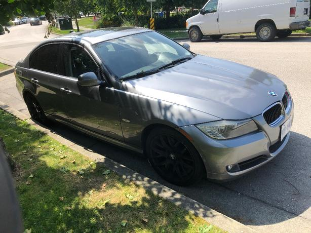 2011 BMW 323i -$7995- 4DR 6 AUTOMATIC-135,000 kms-LIKE NEW-$7995