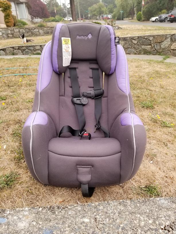 FREE: Safety 1st Child Seat