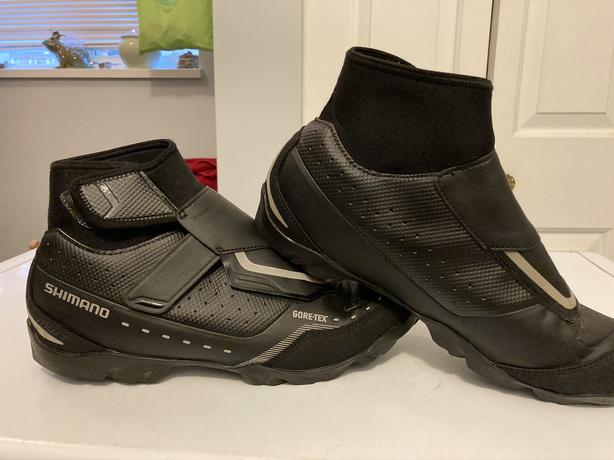 Waterproof cycling boots