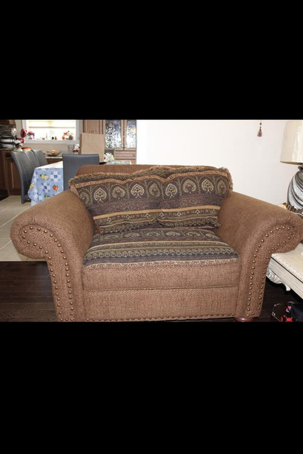 3 PEICE COUCH SET FROM LEONS