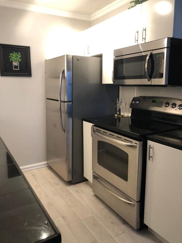 MOVE IN READY! 1 BED + OFFICE Downtown Apartment AVAILABLE IMMEDIATELY