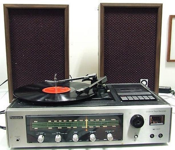 Panasonic SE-1040D Stereo Music Center.