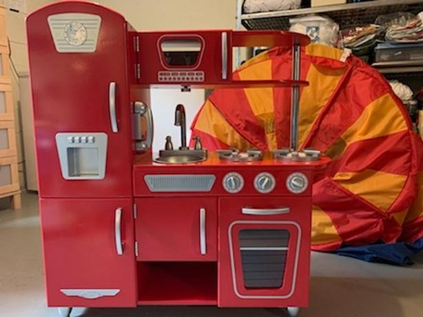 Kid's Retro Kitchen and accessories