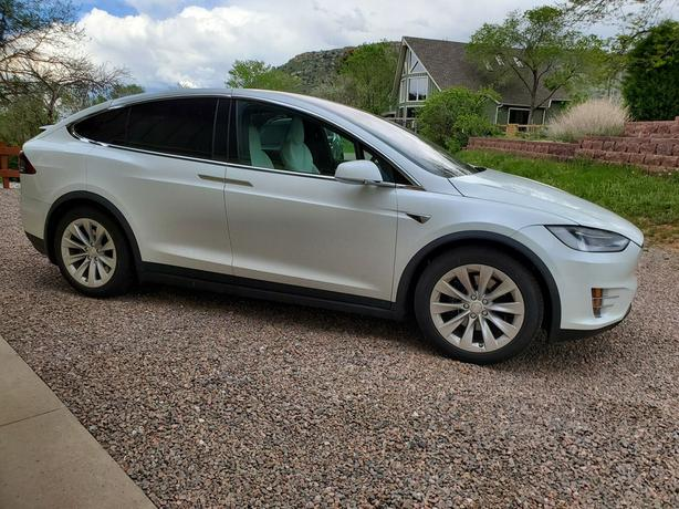 2019 Tesla Model X Long Range; 100D