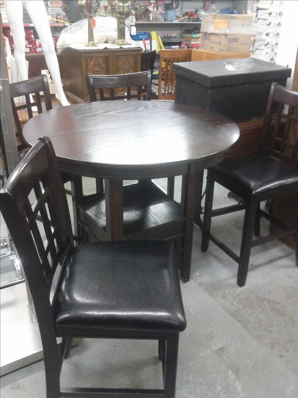 Counter High table and 4 Chairs