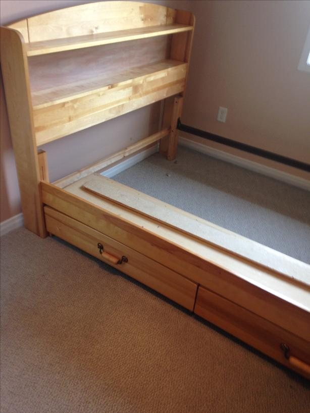 Full/double size bed frame