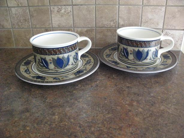 MIKASA ARABELLA CUPS AND SAUCERS – 2