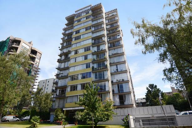 RENOVATED 5th floor 500 sf one bedroom across from English Bay