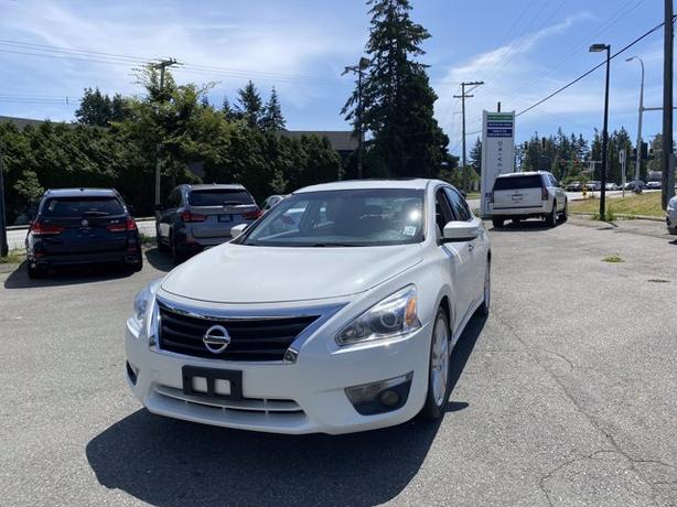 Pre-Owned 2013 Nissan Altima 3.5 SL FWD 4D Sedan