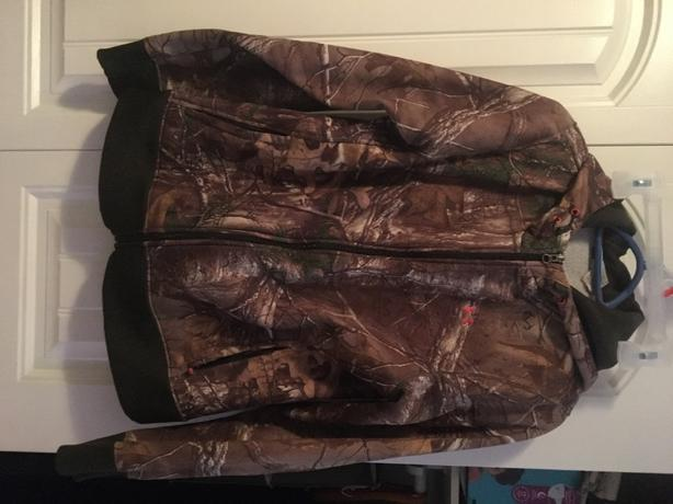 WANTED: underarmor camo womans hoodie soze large