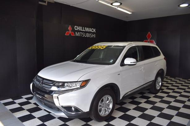 Pre-Owned 2018 Mitsubishi Outlander SE Anniversary Edition 4WD Sport Utility