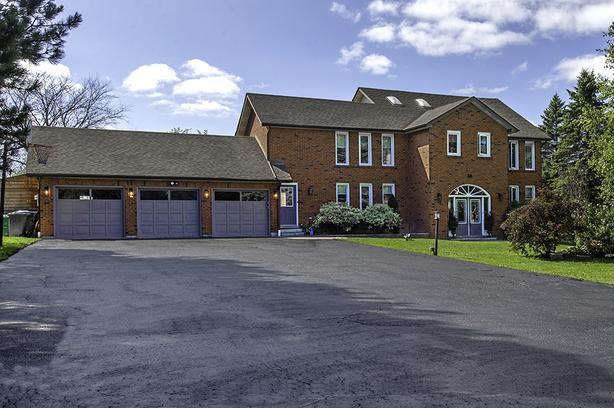 36 Walton Drive, Caledon EXCLUSIVE Real Estate Listing