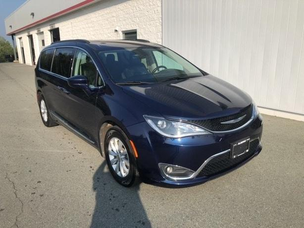 Used 2017 Chrysler Pacifica Touring-l Van Used 2017 Chrysler Pacifica Touring-l
