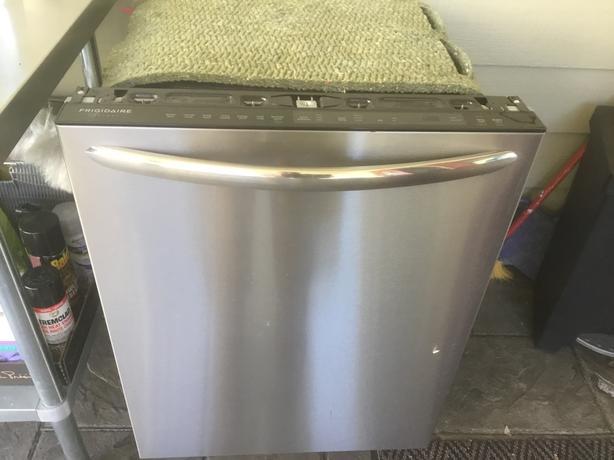 FREE: Stainless Steel Dishwasher