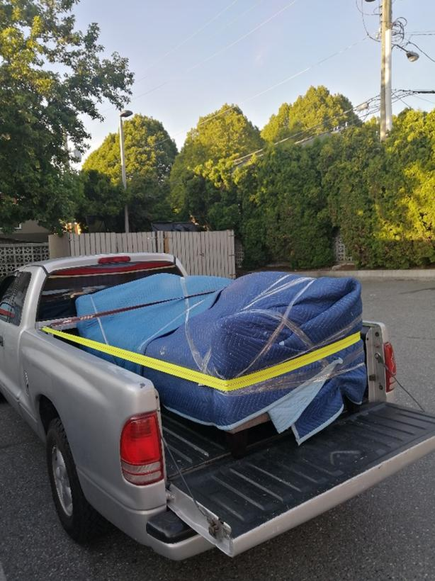 Yard clean up and junk hauling Available