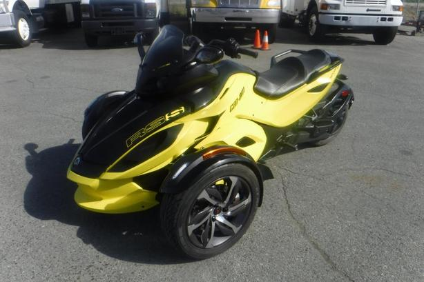 2014 Can-Am Spyder RSS Motorcycle