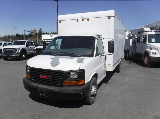 2007 GMC Savana G3500 14 Foot Cube Van