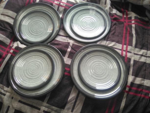 8 Mela-Ware Plastic Plates Dinner Sandwich CAMPING RV CHILDREN