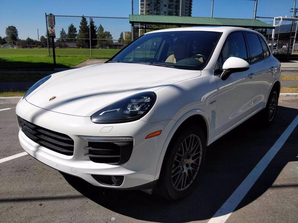 Pre-Owned 2017 Porsche Cayenne E Hybrid S AWD 4D Sport Utility