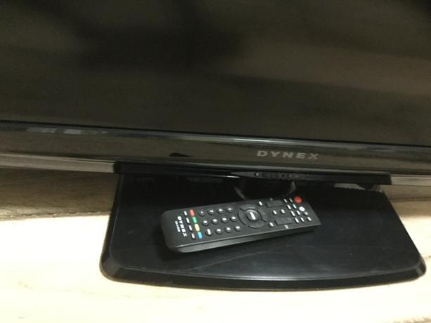 Dynex TV 32 inch
