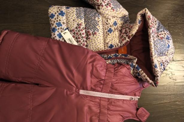 New with Tags ! 2 Pc Snowsuit 3-6 Mo !
