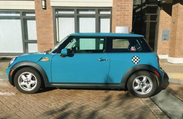 Unique Color Mini Cooper - Great condition