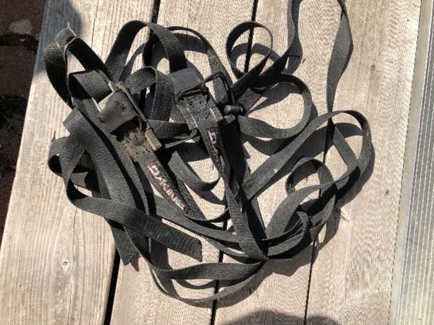 Dakine roof rack straps.