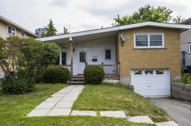 4 BEDROOM HOME FOR RENT – CARLETON SQUARE!