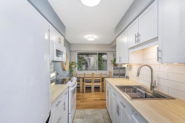 New Kitchen & Bath, wood floors, 2 Pets & Kids ok! Pool