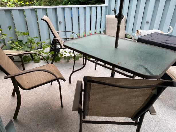 FREE: patio set