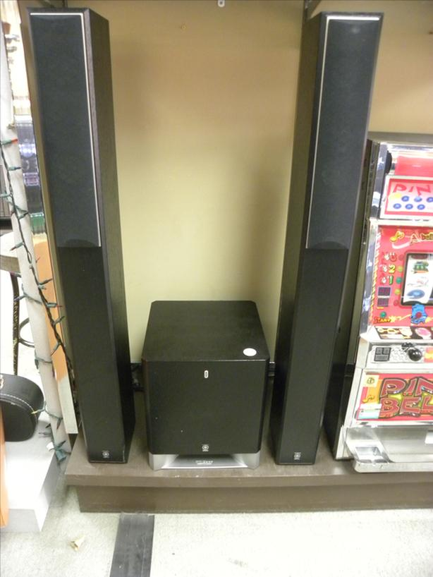 #I-14234 Yamaha floor standing speakers and Subwoofer