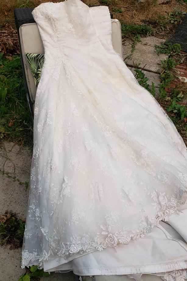 Wedding Dress & veil, only worn once (OBO)