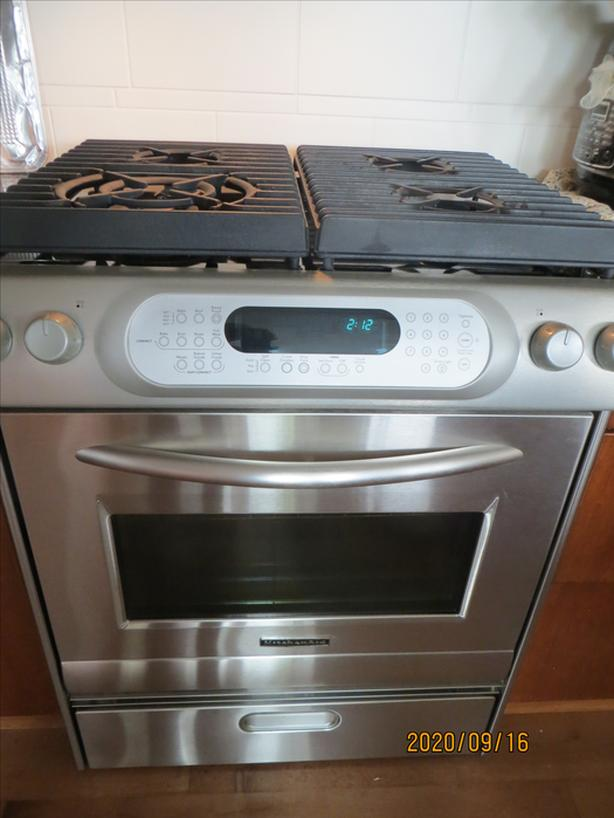 KitchenAide range; Dual-fuel with convection oven! Stainless selfcleaning