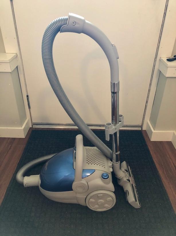 JohnnyVac Hydrogen Vacuum