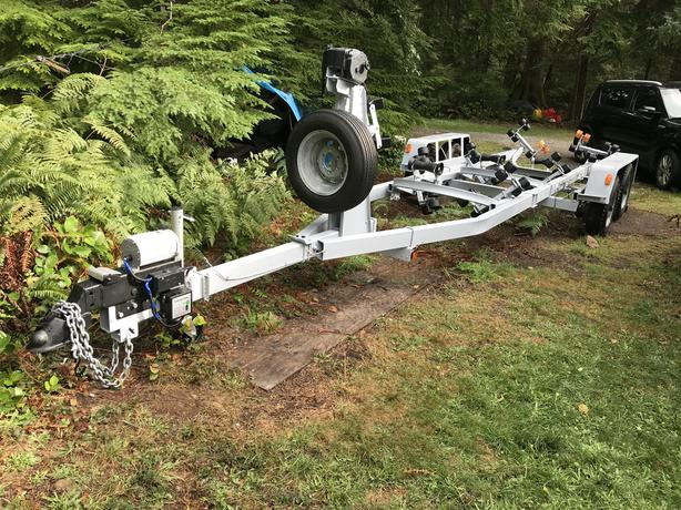 Dual axle boat trailer