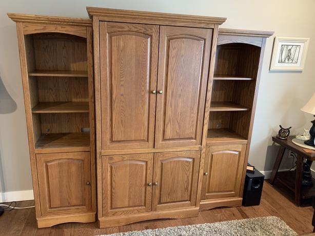 3Piece Oak Entertainment Hutch