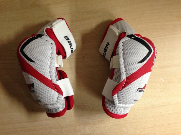 Hockey Elbow Pads Child Size Junior Small Bauer Toews Red White Excellent