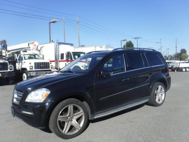 2011 Mercedes-Benz GL-Class GL550 4MATIC 3rd row seating