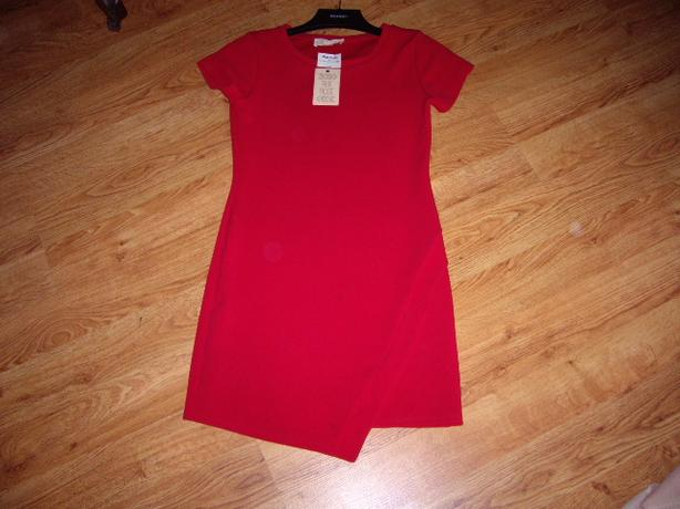 RED DRESS 8- 10 SIZE, STRETCHEE NEW