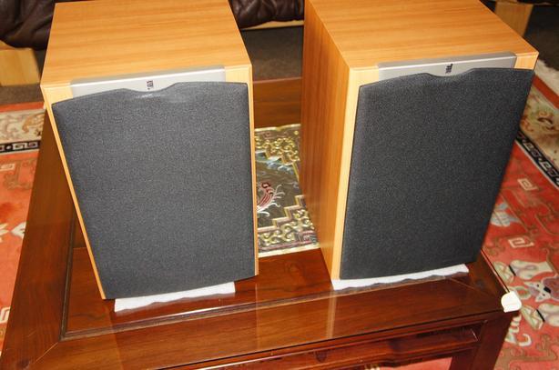 pair JBL S38II Speakers