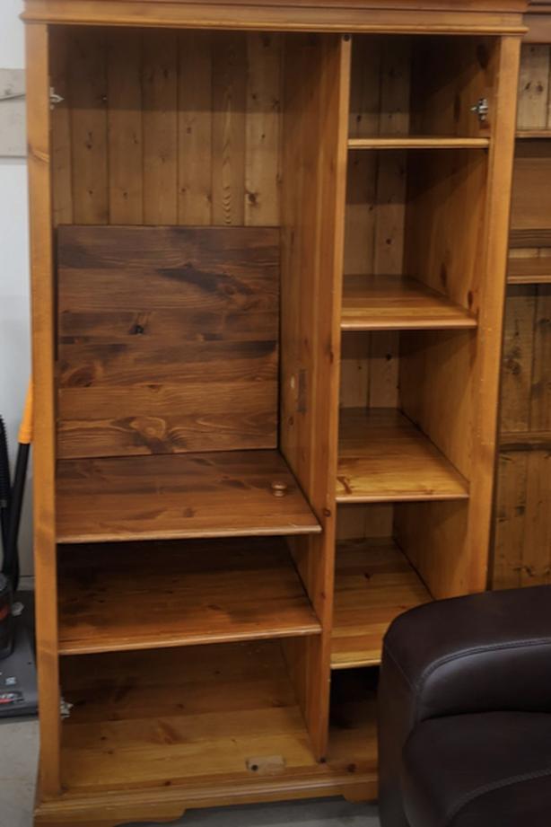 Cabinet / bookshelf