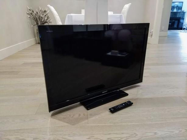 """40"""" Sony XBR 4000 Series TV 