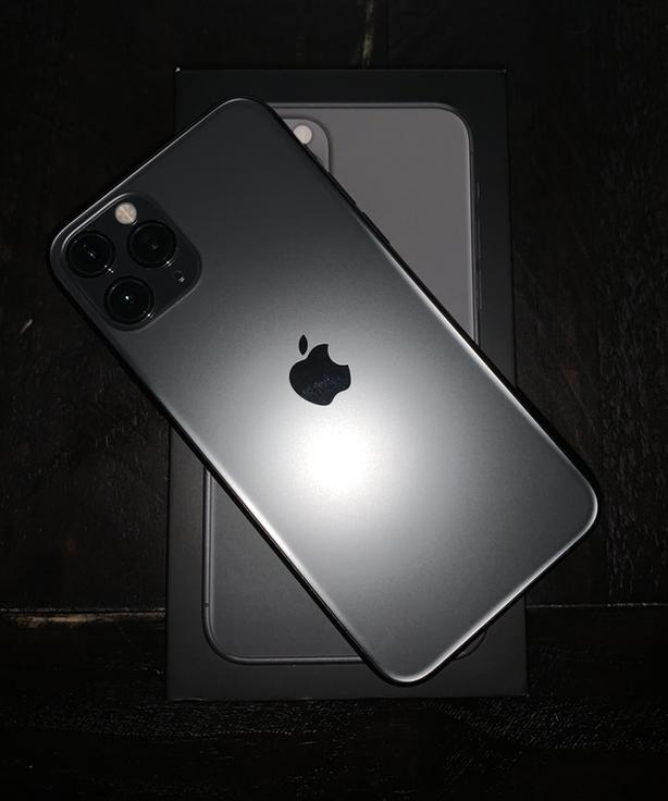 iPhone 11 Pro Immaculate